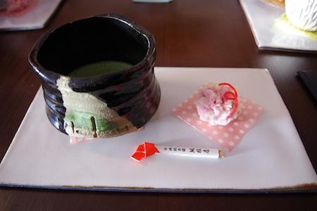抹茶と季節の和菓子